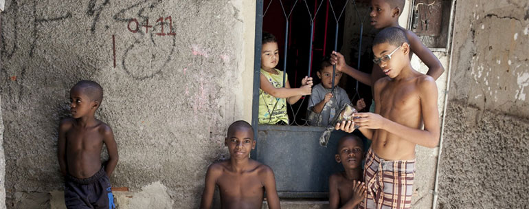 ninos de favela - Niños de favela