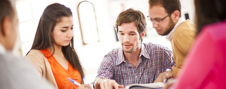 estudiantes adultos clases ingles - Cursos de inglés para mayores de 30 años