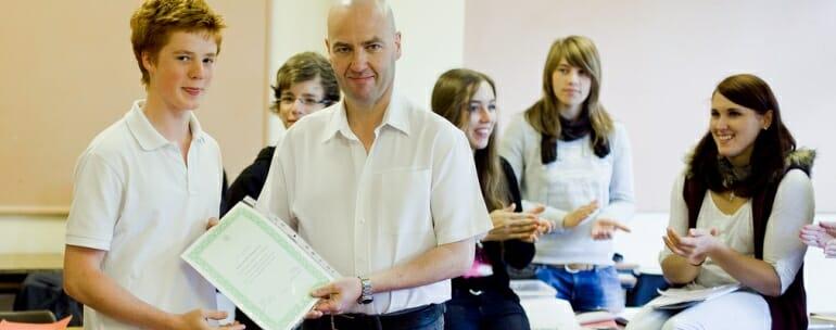 clases de ingles en irlanda - Cursos de verano para jóvenes en Irlanda, opciones para preparar los exámenes de Cambridge