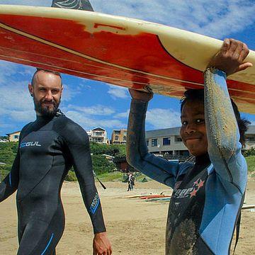 Surfing with Kids - Programa de voluntariado en Sudáfrica y Namibia