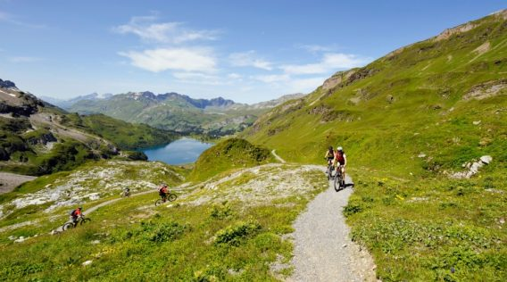 Mountainbike, Helm, Engstlensee;.Mountain Bike, Helmet, Engstlensee;