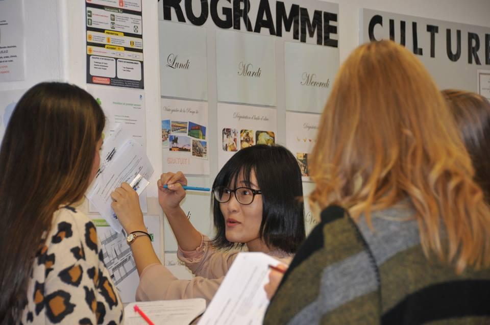 cursos frances lyon programa social - Lyon