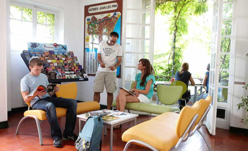 escuela frances antibes interior - Antibes