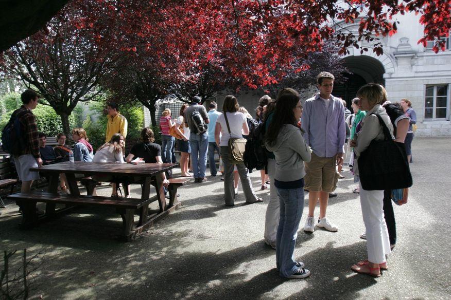 escuela frances tours patio - Tours