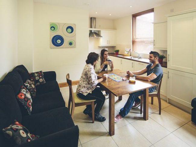 alojamiento-belfast-sandhurst-apartaments-1