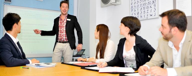Becas MEC maestros 2011