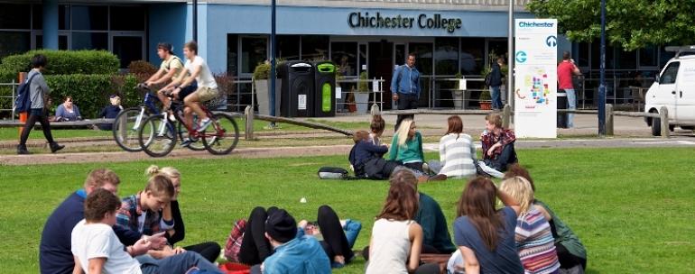 estudiar inglés en el Chichester College