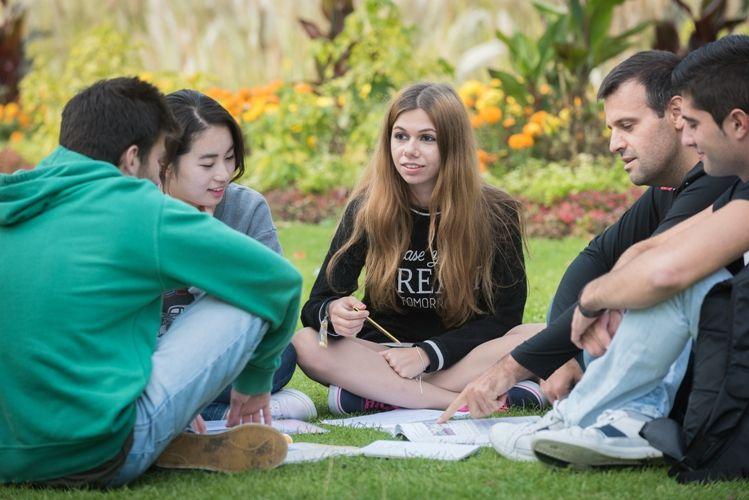 estudiantes en Lewes