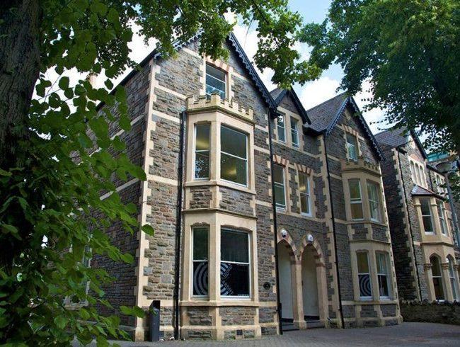 las mejores academias de ingles en Cardiff