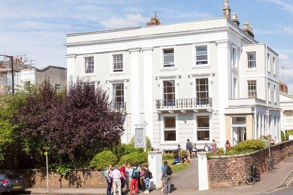 2b Pembroke House (Main Building)