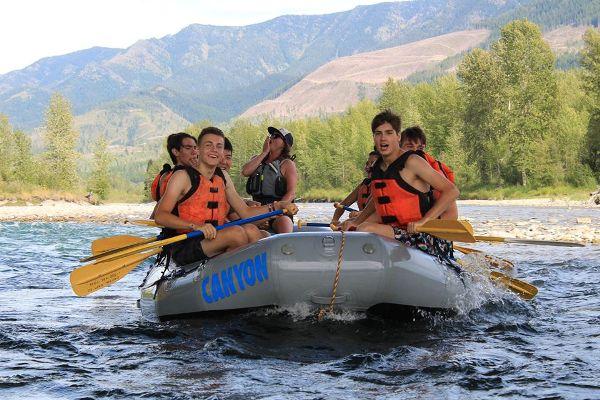 año escolar extranjero 2 - Rocky Mountain School District