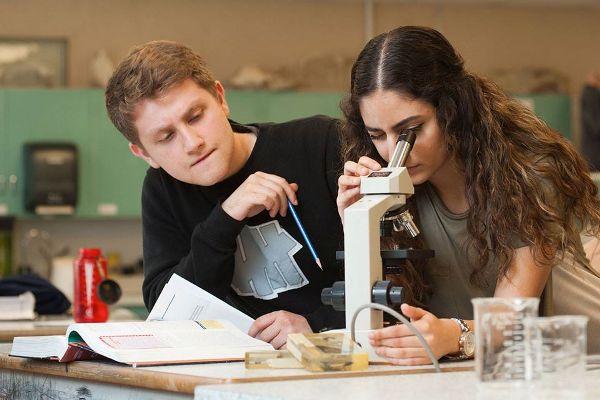 curso academico canada 2 - West Vancouver School District