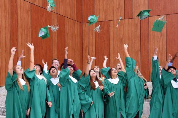 curso esocolar extranjero - River East School District