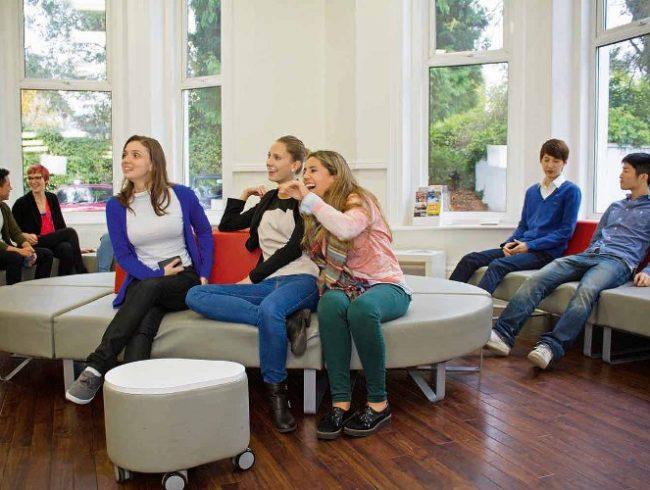 Bournemouth_School_Lounge_Students_05